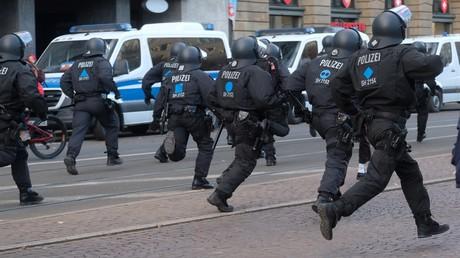 Polizisten im Einsatz auf dem Augustusplatz in Leipzig, 21. November 2020