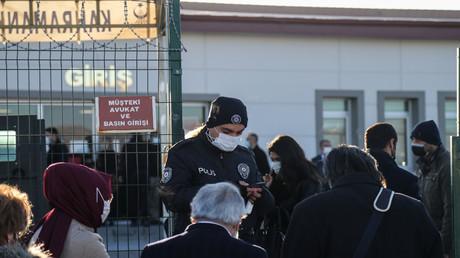 Türkei: Lebenslange Haft für 337 Menschen wegen Beteiligung an versuchtem Militärputsch von 2016