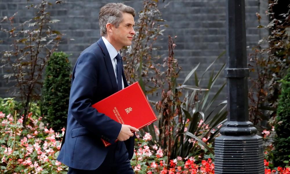 """Nach Vakzin-Zulassung: Britischer Bildungsminister findet sein Land """"viel besser"""" als USA und EU"""
