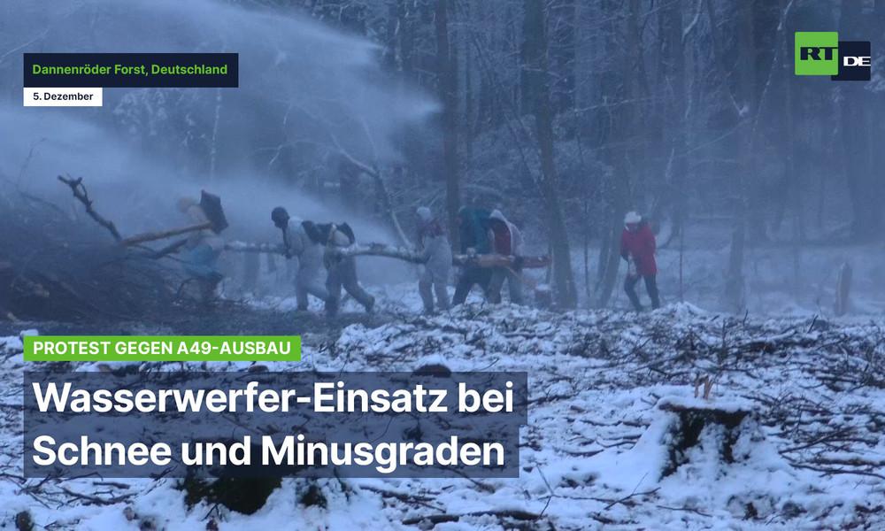 Protest gegen A49-Ausbau: Wasserwerfer-Einsatz bei Schnee und Minusgraden im Dannenröder Forst