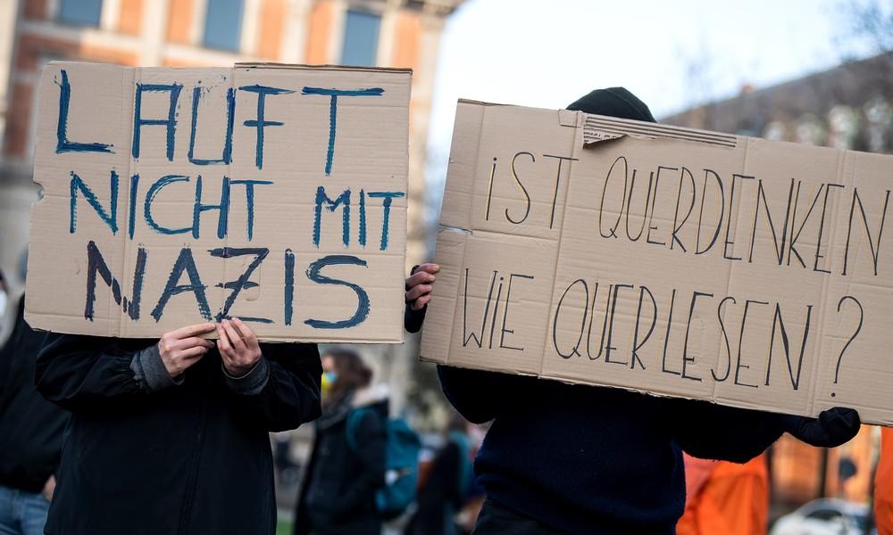 """Furcht vor der kritischen Masse? """"Querdenker"""" könnten bald im Visier des Verfassungsschutzes stehen"""