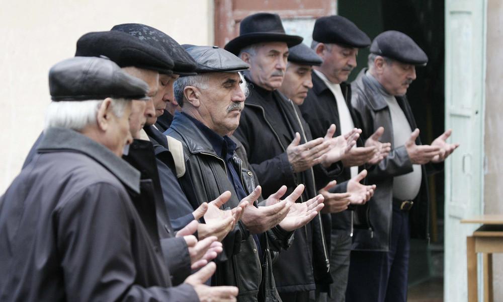 Kremlsprecher über Beerdigung von Lehrermörder in Tschetschenien: Wir verurteilen Terror zutiefst