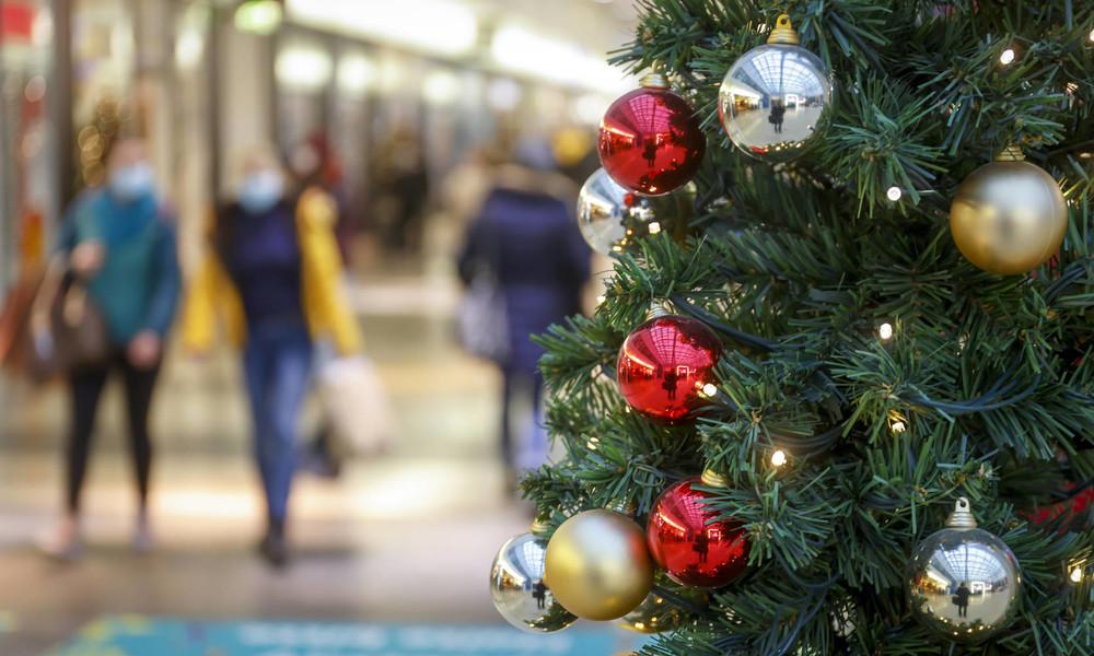 Umfrage: Viele sind bereit, an Weihnachten Corona-Regeln zu brechen