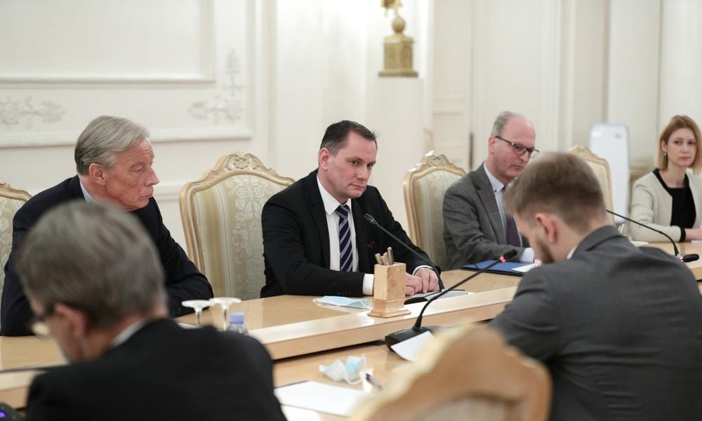 AfD-Abgeordnete in Moskau: Wollen Pragmatismus vor Ideologie stellen und Neustart der Beziehungen