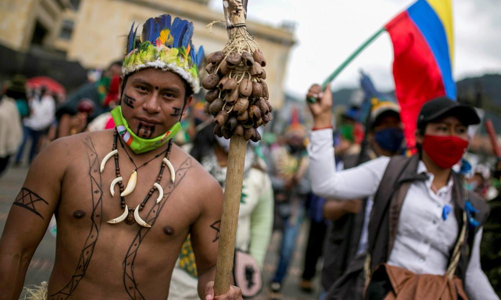 Kolumbien: Anschläge rechter Paramilitärs auf indigene Aktivisten – schon 284 Morde im Jahr 2020