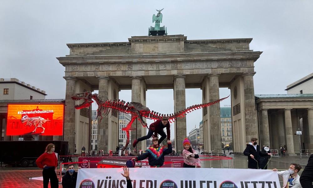 """""""Kunst ist systemrelevant!"""" – Protest der Kultur- und Veranstaltungsbranche in Berlin"""