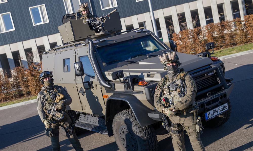 Massiv aufgerüstet, aber nicht sicherer – Studien zu militärischer Ausrüstung der US-Polizei