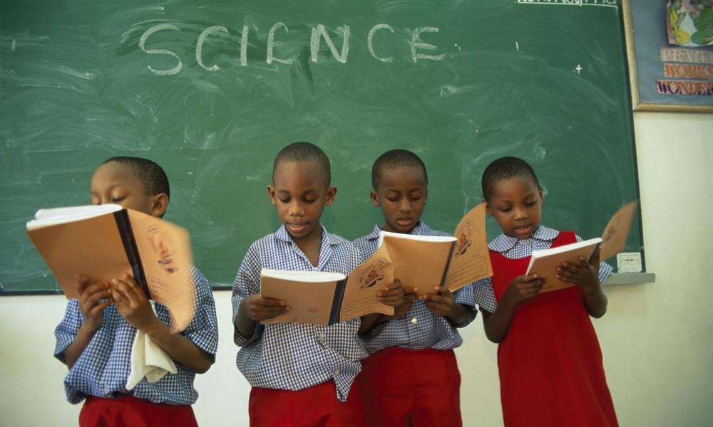 Nigeria: Hunderte Schüler nach Überfall verschleppt