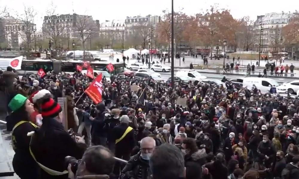 LIVE: Demonstration der Unterhaltungsbranche gegen die Corona-Maßnahmen in Paris