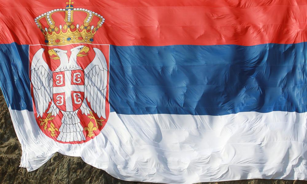 EU und USA machen Druck: Die Neue alte Falle für Serbien