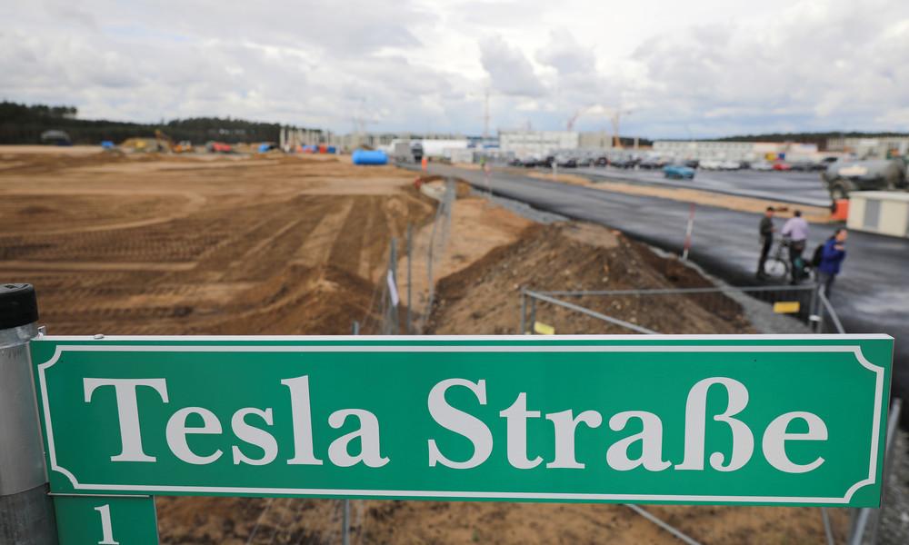 Weihnachtsgeschenk für Tesla: Gemeindevertreter stimmen für Ausbau der Infrastruktur für Gigafabrik