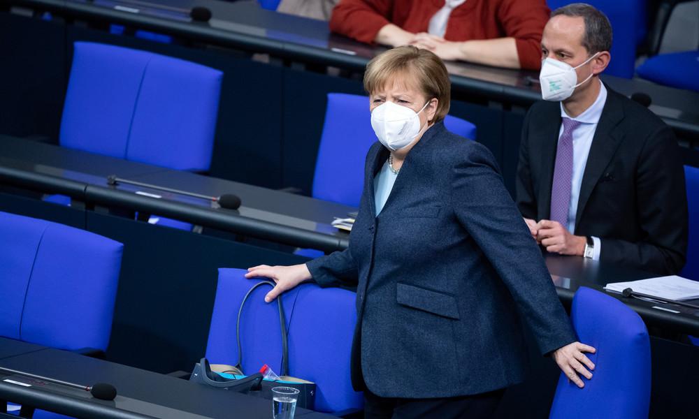"""CDU-Abgeordneter fordert: """"Merkel soll mit als Erste geimpft werden"""""""