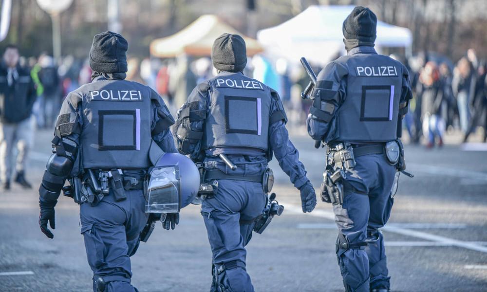Gewerkschaft der Polizei: Versammlungen und Demos müssen verboten werden
