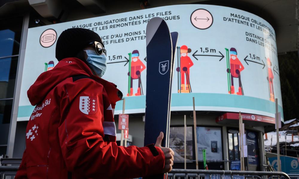 Schweiz: Britische Skiurlauber verschwinden über Nacht aus Quarantäne