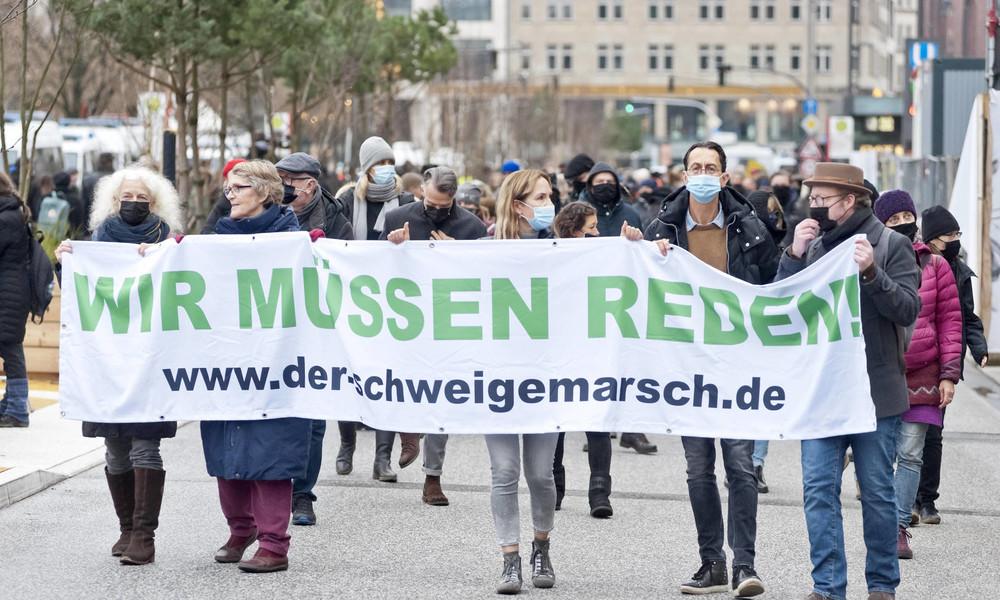 Nach Interview mit festgenommener Versammlungsleiterin: Polizei Berlin äußert sich zu Vorwürfen