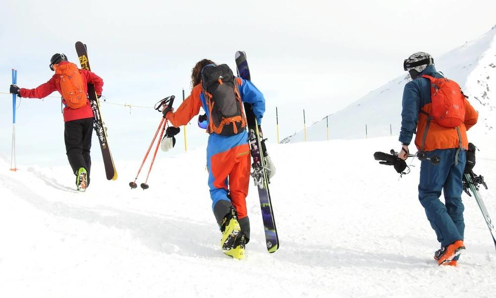 Für Personen, die von der Maskenpflicht befreit sind: Schweizer Skigebiet bietet Armbinden an