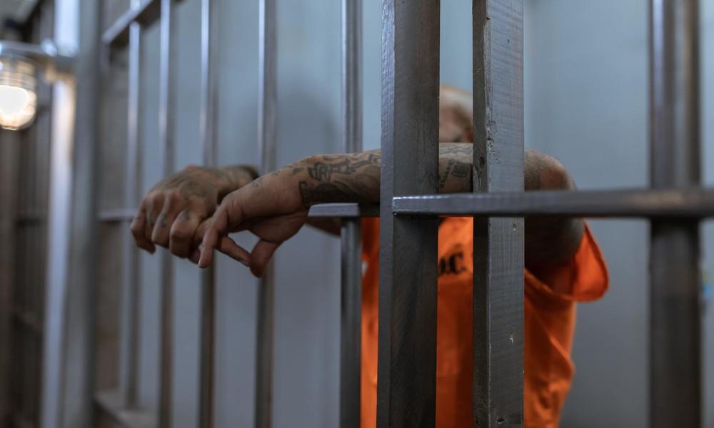 Nahezu alle Insassen in Alaskas größtem Gefängnis haben positiven Corona-Befund