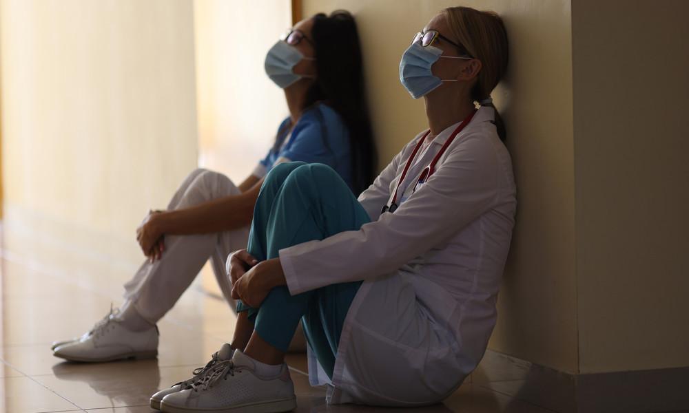 """""""Müde, frustriert und ausgelaugt"""": Britische Ärzteverbände warnen vor Burnout im Krankenhaus"""