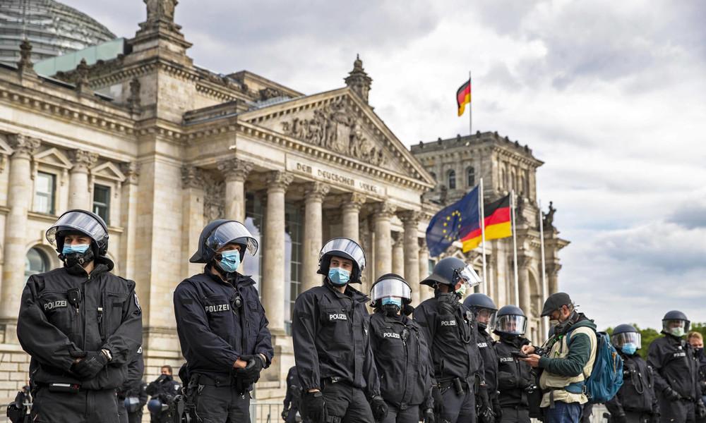 """Verstärkte Sicherheit vor dem Reichstag – Söder sieht Gefahr einer """"Corona-RAF"""""""