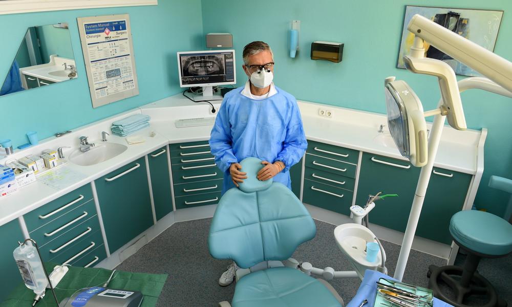 Bayern: Zahnarzt drohte Mitarbeitern bei Verweigerung der Impfung mit Suspendierung