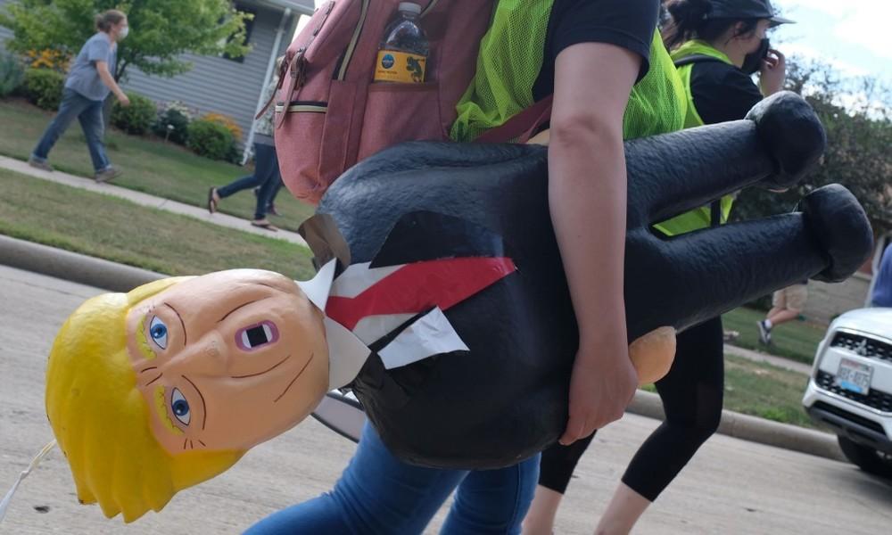 """Amerikawissenschaftler Strick: Trump ist """"die Kasperlefigur eines großen Desinformationsimperiums"""""""
