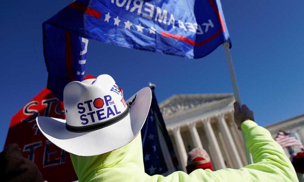 """Facebook verbannt """"Stop the Steal"""": Slogan von Trump-Anhängern stiftet angeblich zur Gewalt an"""