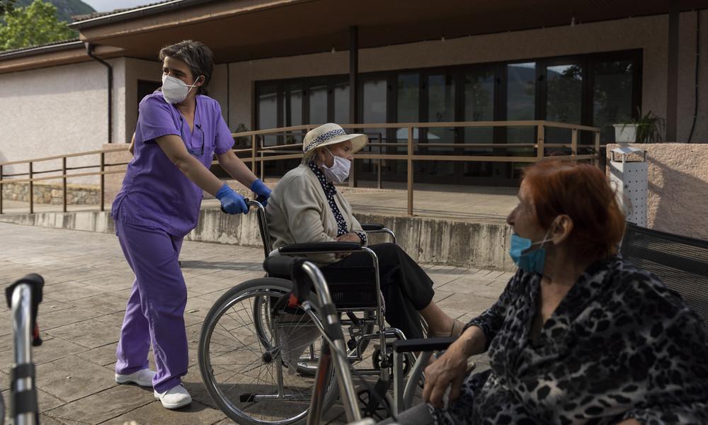 Trotz Protest der Tochter: Spanischer Richter ordnet Impfung 84-jähriger Altenheimbewohnerin an