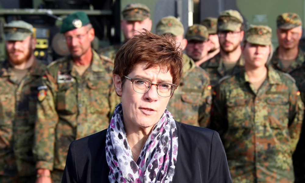 """""""Eine andere Art von Krieg"""" – Kramp-Karrenbauer will Drohnenabwehr ausbauen"""