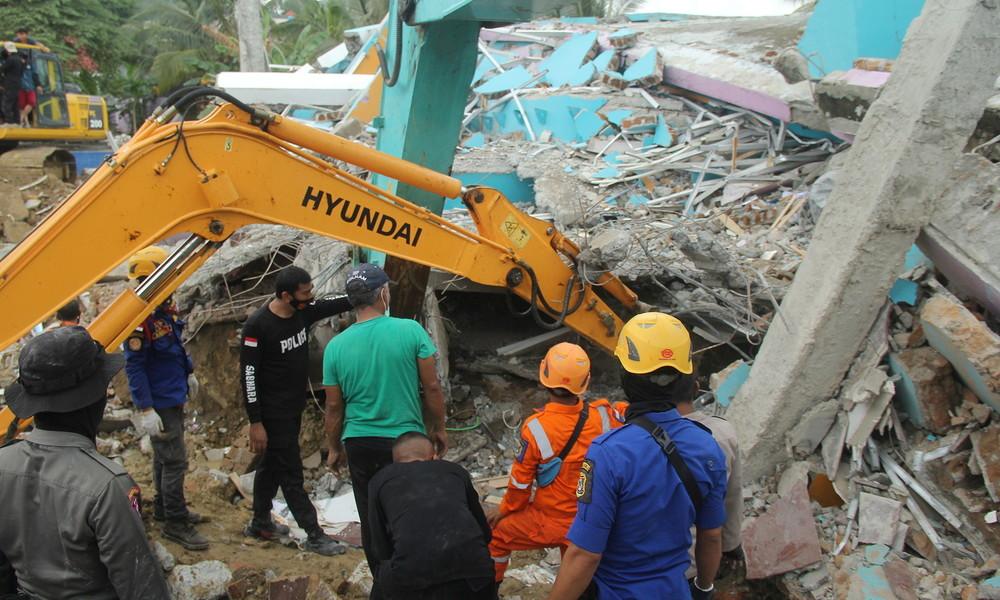 Schweres Erdbeben in Indonesien: Mindestens 35 Tote, rund 600 Verletzte