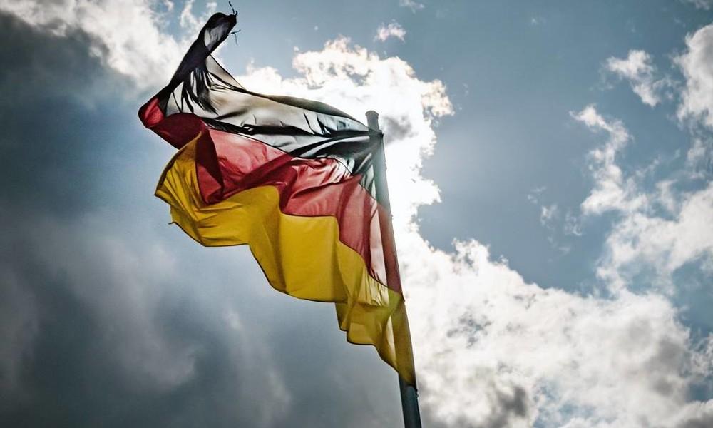 Deutsche Zustände: COVID-19-Pandemie und das strukturelle Versagen von Politik und Medien