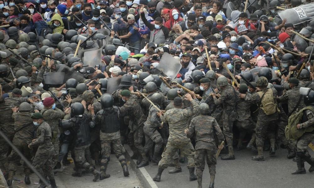"""Guatemala: """"Migrantenkarawane"""" auf dem Weg in die USA mit Gewalt gestoppt"""