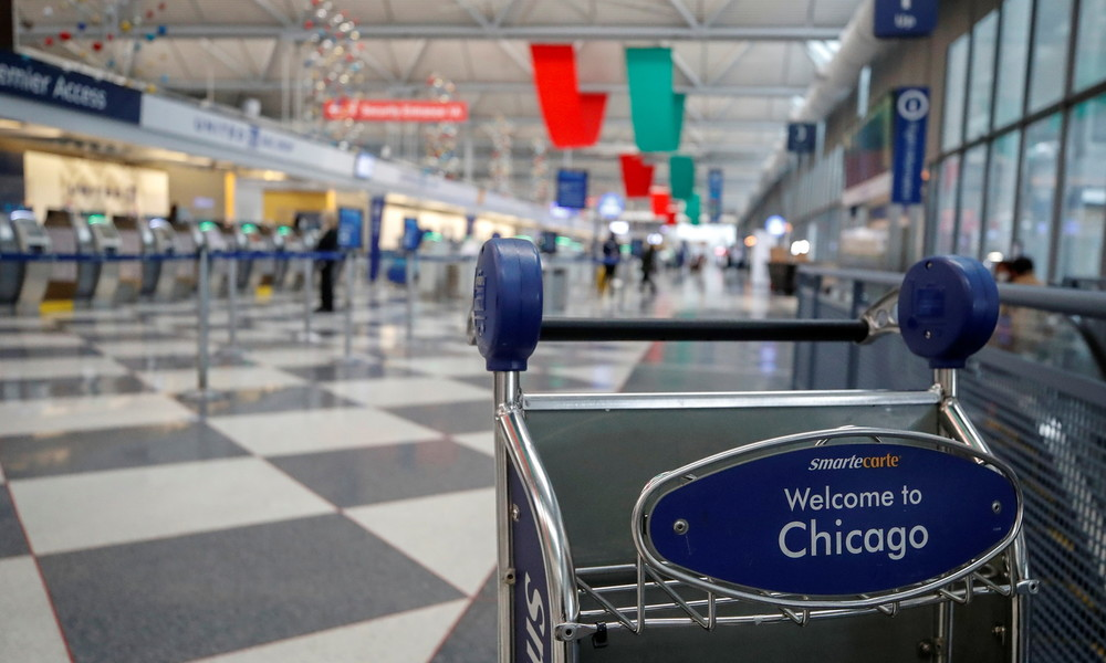 Aus Angst vor COVID-19: Mann lebt drei Monate lang in geschütztem Flughafenbereich