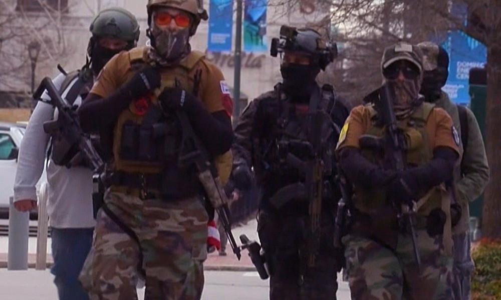Kein Ende der Waffen-Epidemie: Bewaffnete US-Demonstranten befürworten bestehende Gesetze