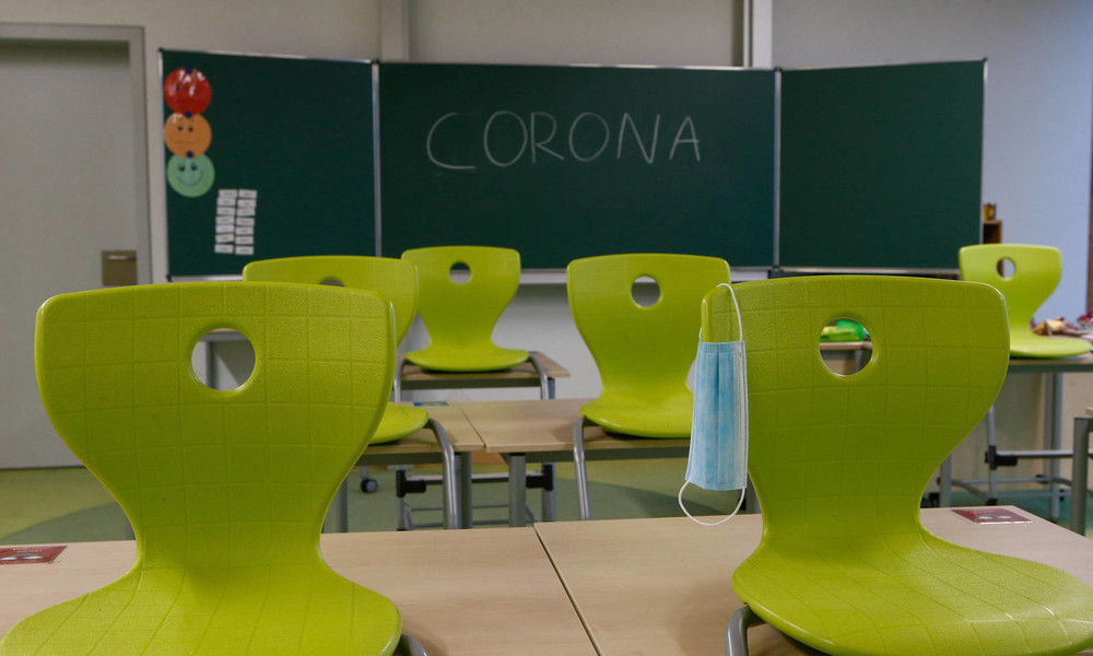 Gezielt Lernstoff nachholen: Lehrerverband fordert freiwillige Wiederholung des Schuljahres