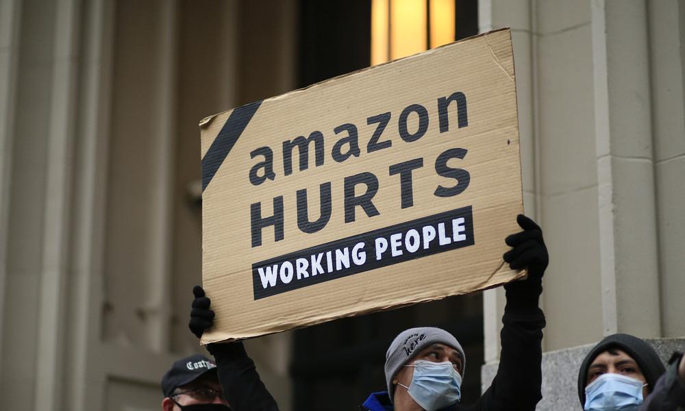 Politik vor Leben? Amazon wartete mit  Angebot zu COVID-19-Impfstoffverteilung bis Bidens Antritt
