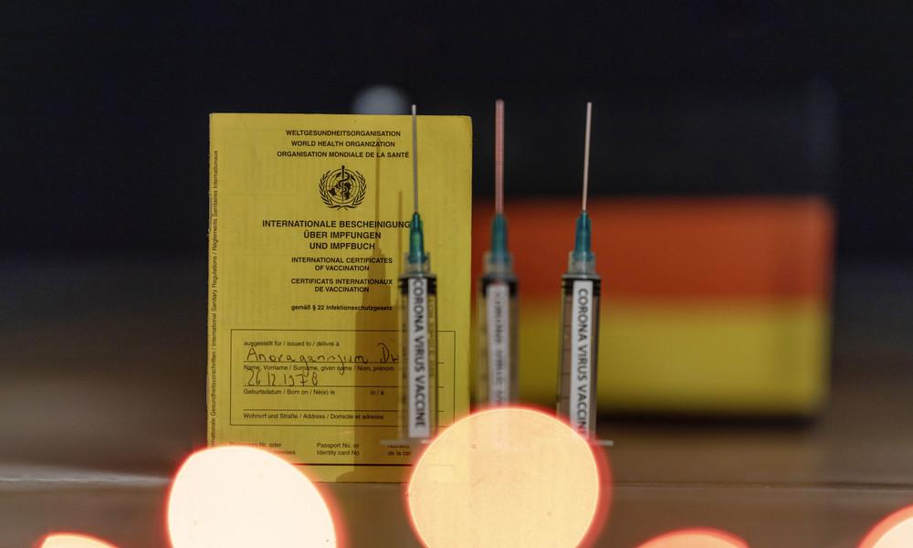 Deutschland: Erste Corona-Impfausweise ausgegeben