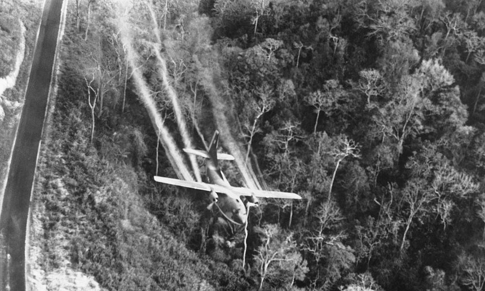 Vietnamkrieg holt Bayer wieder ein: Französisches Gericht verhandelt Klage wegen Agent Orange