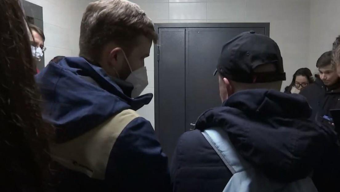 LIVE aus Moskau: Polizeirazzia in Wohnung und Büro von Nawalny