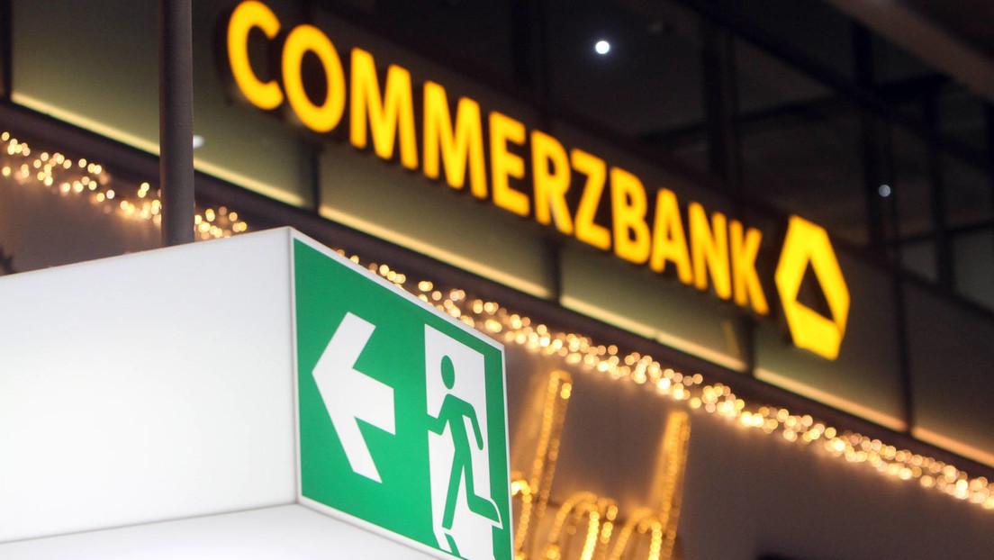 Massiver Stellenabbau bei Commerzbank, Douglas, Easyjet und anderen Unternehmen