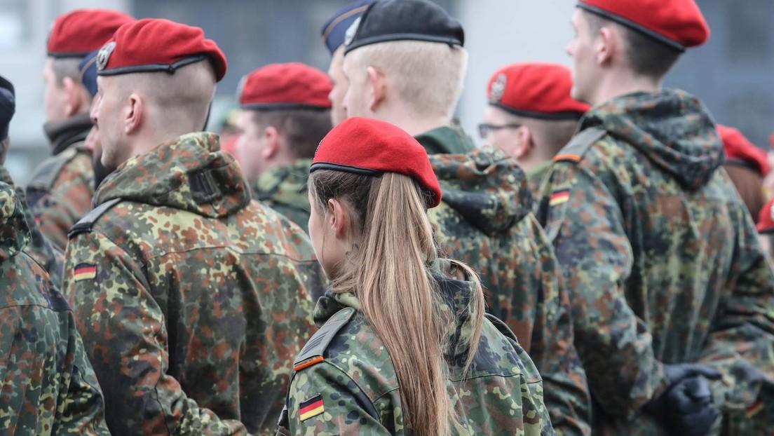 Haarige Angelegenheit: Kramp-Karrenbauer untersagt Friseure in Kasernen