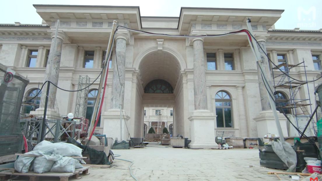 """Neues Video zeigt vermeintlichen Palast Putins: """"Hier gibt es nur Beton"""""""