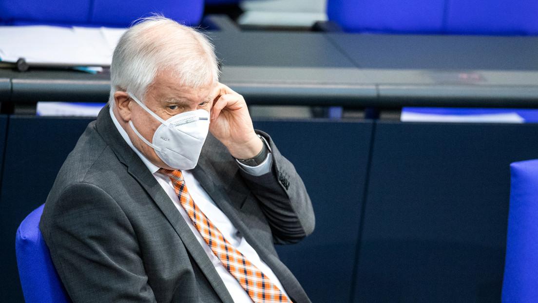 "Seehofer zu Einreiseverboten: ""Maßnahme zum Schutz der Bevölkerung absolut notwendig"""