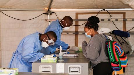 "Kongo lässt Corona-Medikament ""Manacovid"" auf pflanzlicher Basis zu"