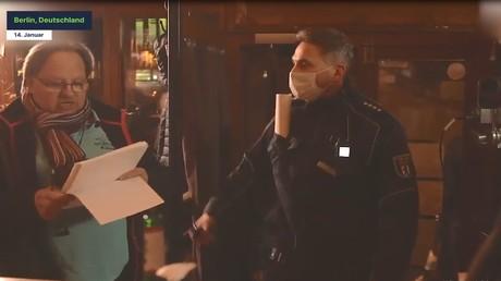 Polizei löst Parteigründung von Corona-Skeptikern um Anwalt Reiner Füllmich auf