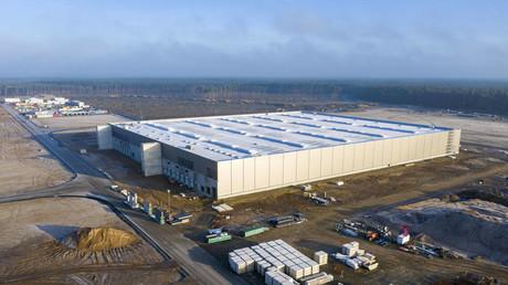 Tesla darf nach Hinterlegung von Sicherheitsleistung in Brandenburg weiterbauen