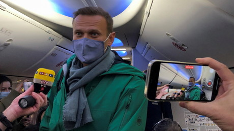 Alexei Nawalny vom Flughafen BER Richtung Moskau abgeflogen