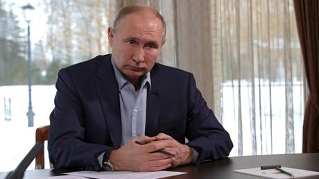 Putin befürwortet Gesetz gegen Gleichstellung der UdSSR mit Nazideutschland