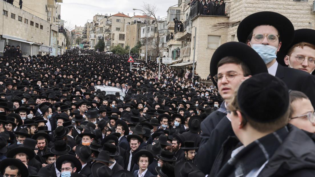 Bei Begräbnis eines Rabbiners: Tausende Israelis verstoßen gegen Lockdown
