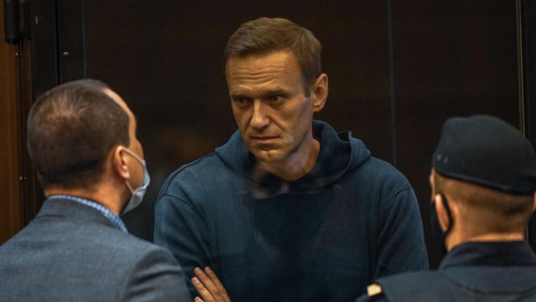 Zwei Jahre und acht Monate: Gericht verurteilt Alexei Nawalny zu Haftstrafe