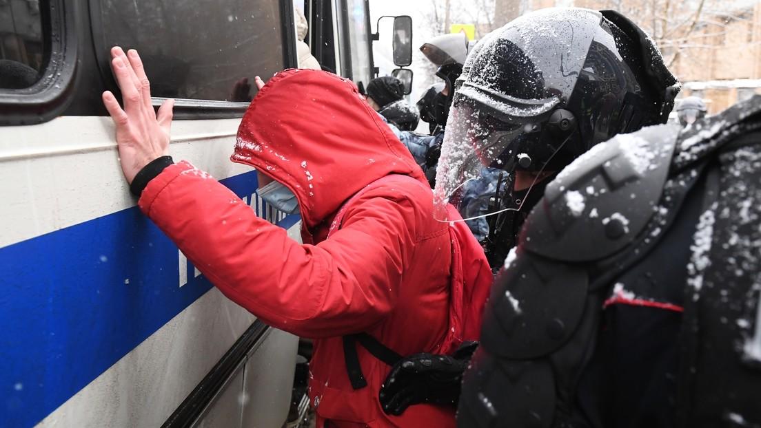 Mehr Festgenommene als Isolierzellen: Kreml kommentiert Situation bei illegalen Protesten